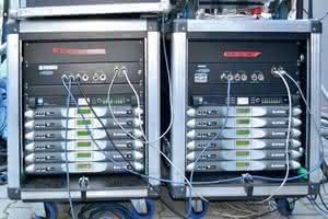 właściwy sposób na podłączenie kabli połączeniowych